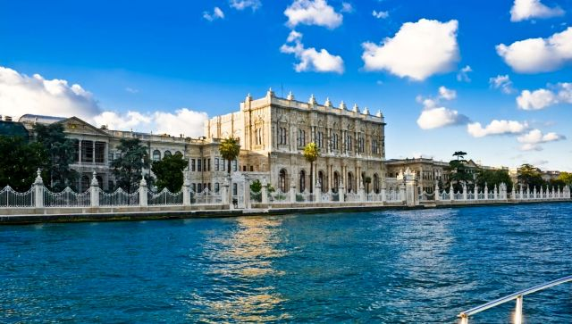 4792858-Dolmabahce-palace-view-from-Bosporus-Istanbul-Turkey-1200x680