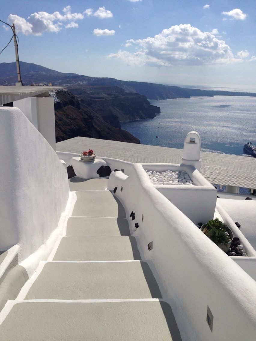 Perfect_Stairs_View_Santorini