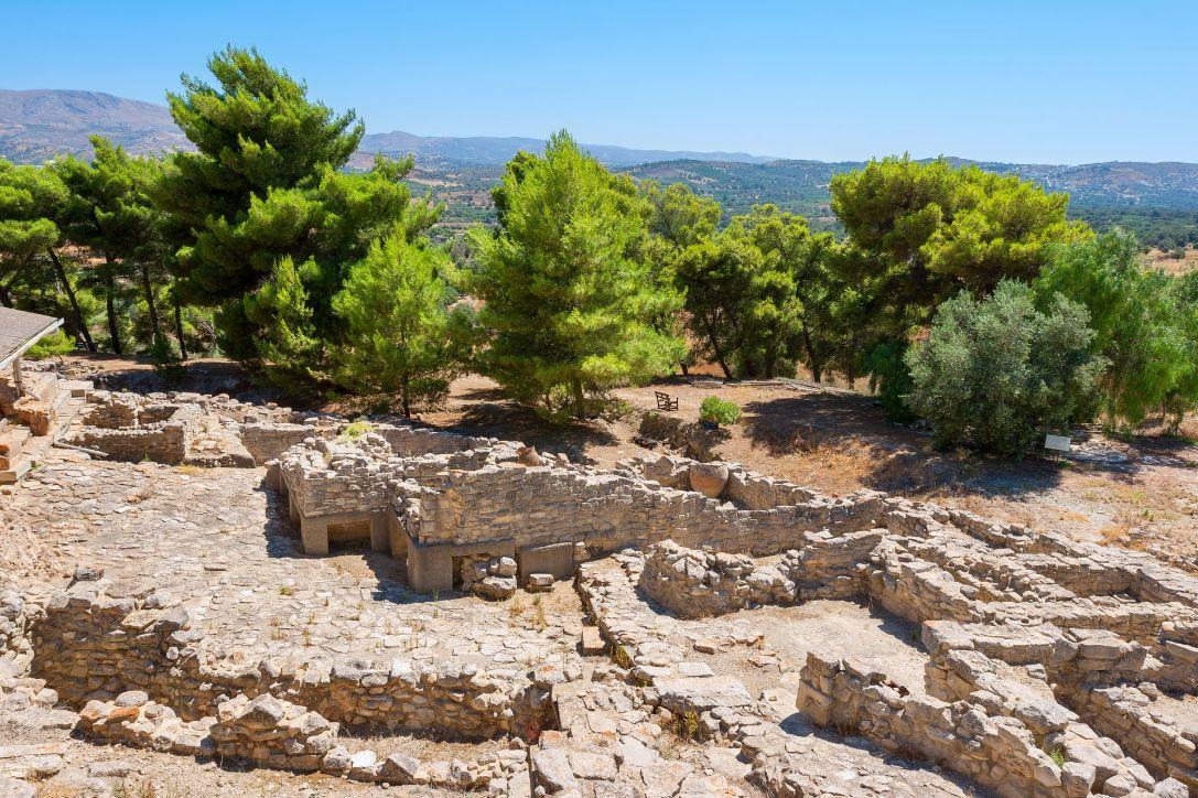 bigstock-Palace-Of-Phaistos-Crete-Gre-55652783_result